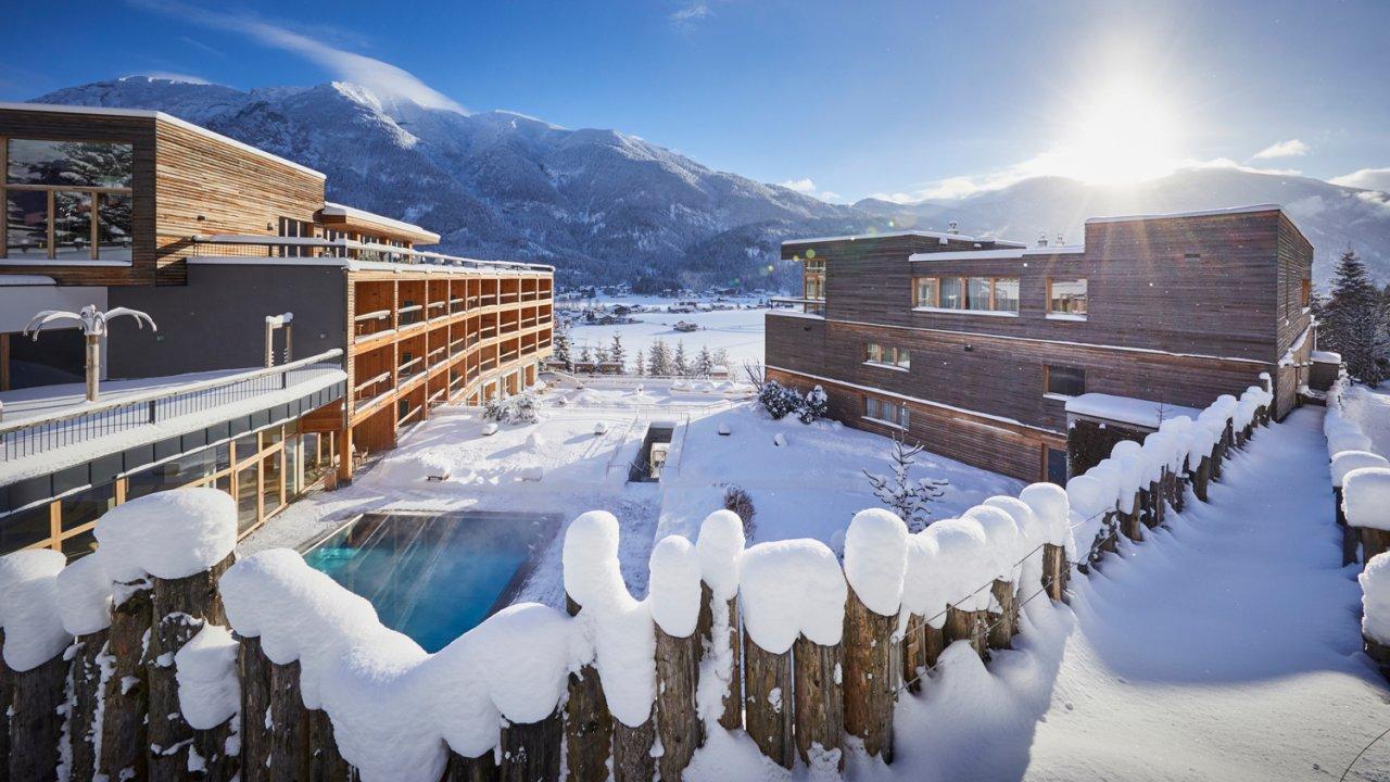 Piscine extérieure de l'hôtel Kronthaler sur le lac de Achensee, © Hotel Kronthaler