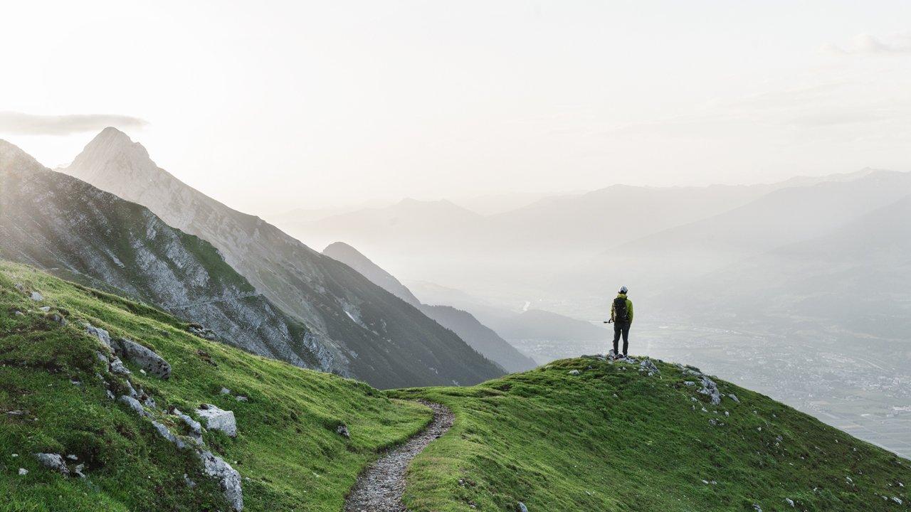 L'un des plus beaux passages de la Voie de l'Aigle : le chemin de Goetheweg sur la vallée de l'Inntal