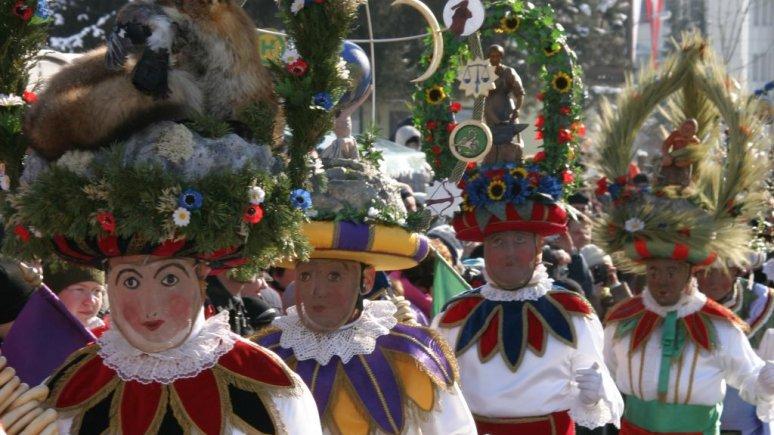 Le Carnaval de Telfs : le Telfer Schleicherlaufen, © FMT/Stelzl