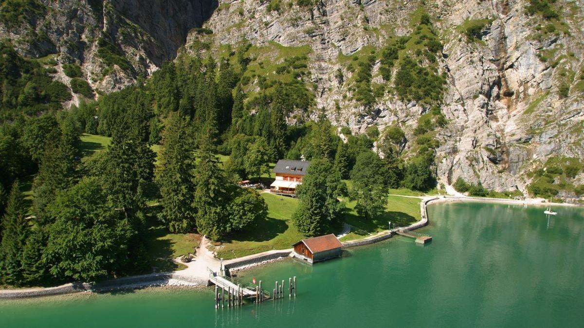 Partir en randonnée de Pertisau, longer le lac et monter à l'alpage de Gaisalm, puis rentrer à Pertisau en bateau – c'est ce que font les familles du coin., © Achensee Tourismus