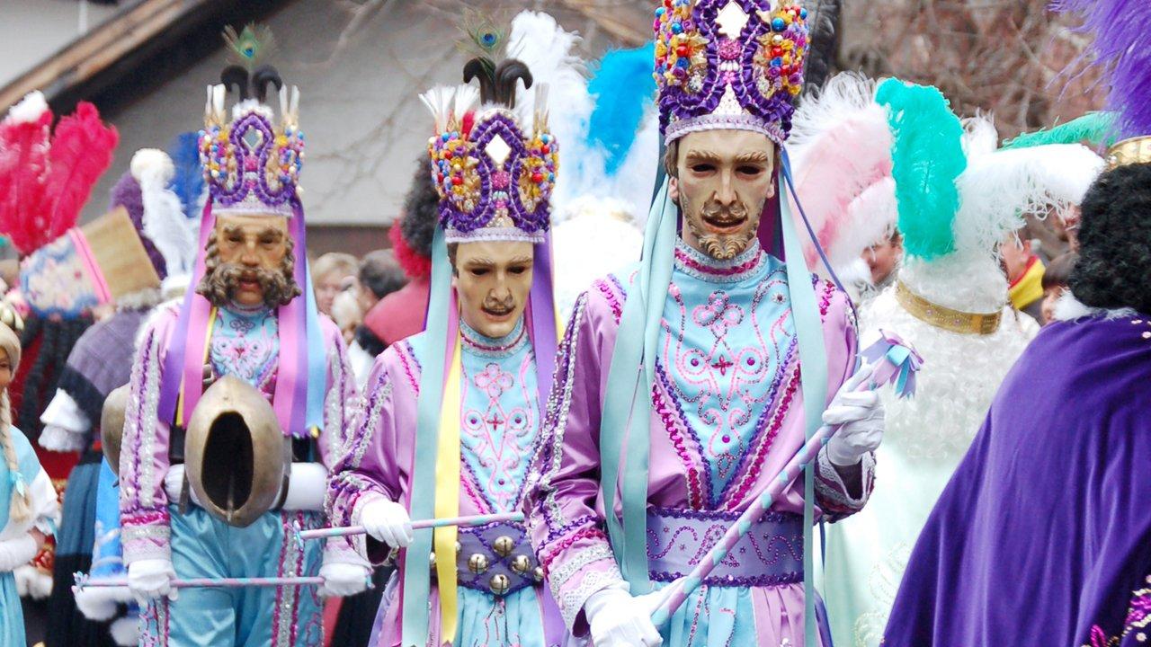 """Les """"Schellerlaufen"""" du défilé du carnaval de Nassereith, © Fasnachtskomitee Nassereith"""