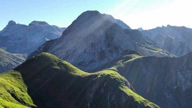 Étape 24 de la Voie de l'Aigle : Chalet de Kaiserjochhaus – St. Christoph am Arlberg, © Tirol Werbung/Michael Walzer