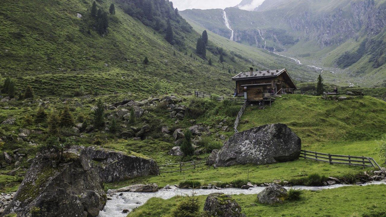 Cours d'eau dans les montagnes, © Sebastian Höhn