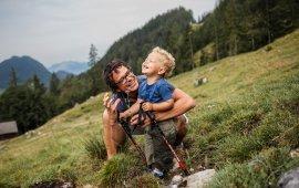 Randonnée familiale vers l'alpage d'Hinterschießlingalm, Scheffau, Wilder Kaiser, © Tirol Werbung/Robert Pupeter