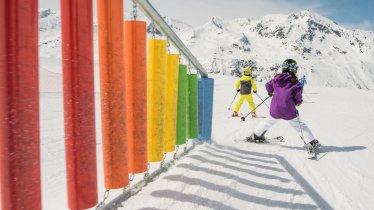 Skier avec les enfants, © Tirol Werbung / Casey Moore