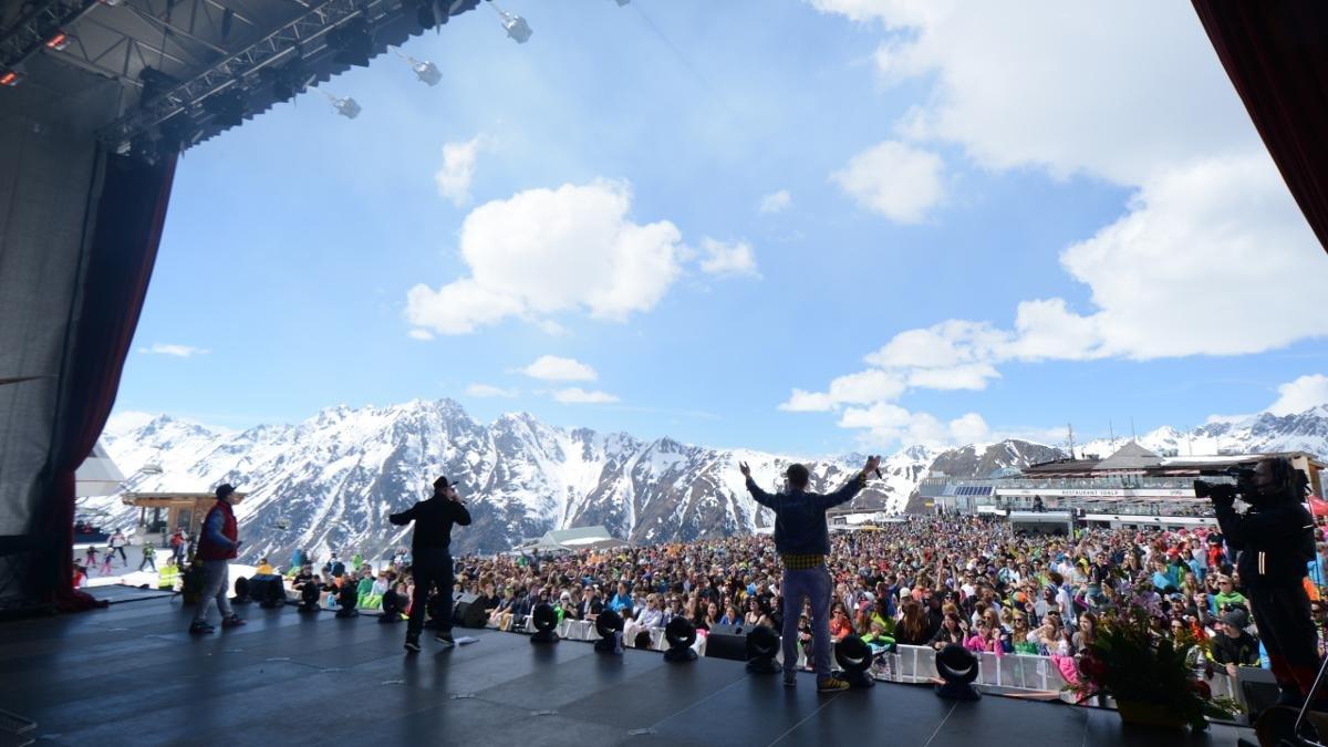 Avec des concerts de pointures internationales de la pop, Ischgl célèbre traditionnellement le début de sa saison d'hiver dans la Silvretta-Arena et la fin de celle-ci sur l'Idalpe., © Paznaun-Ischgl