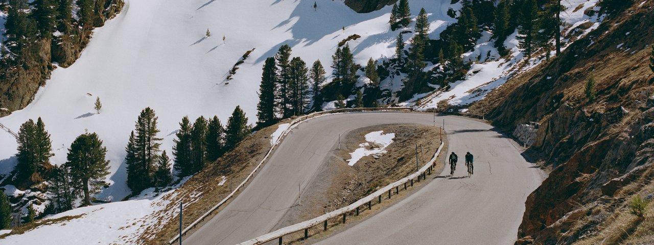 À vélo de course sur la route du glacier de l'Ötztal, © Tirol Werbung/Marshall George
