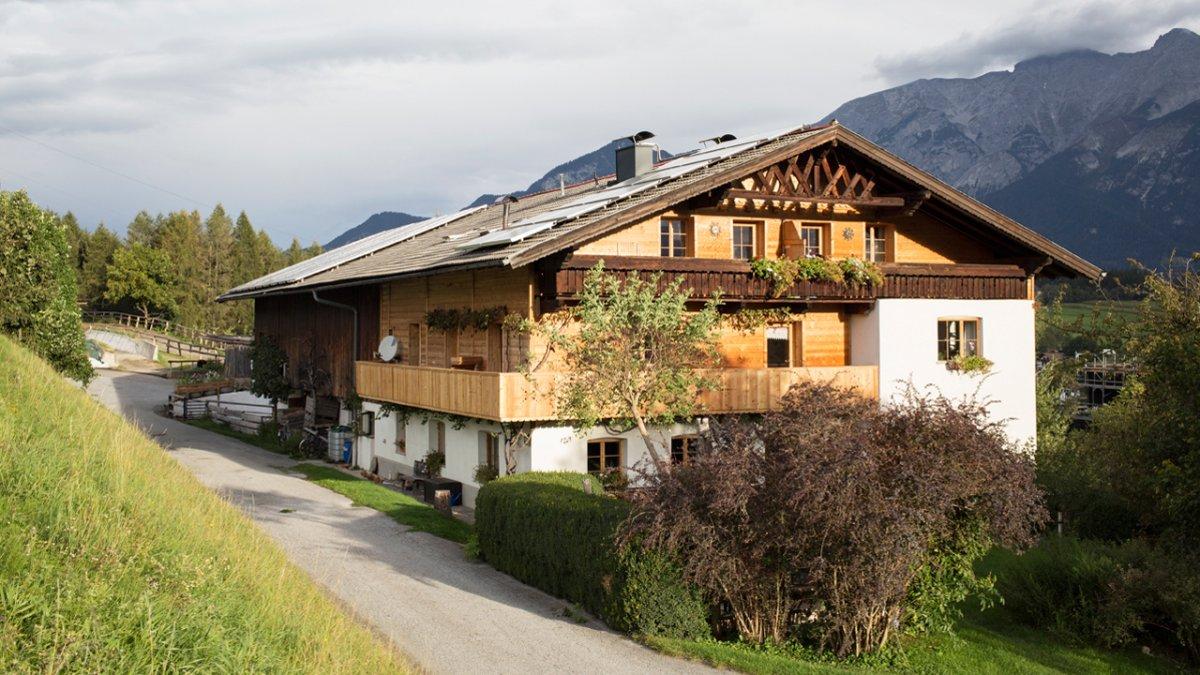 La ferme Pechhof se trouve à Mutters, au-dessus d'Innsbruck, © Tiroler Werbung / Lisa Hörterer