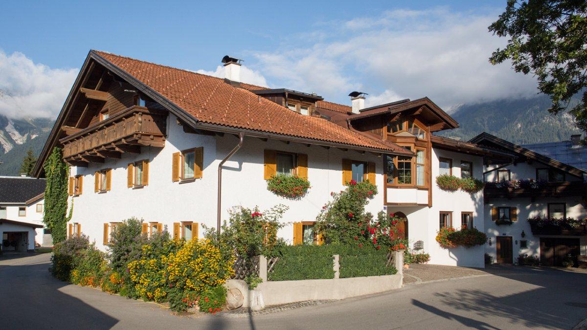 La ferme Gintherhof a presque 800 ans., © Tirol Werbung/Lisa Hörterer