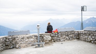 Vue d'Hafelekar de la chaîne de montagnes d'Innsbruck : la Nordkette, © Tirol Werbung/Dominik Gigler