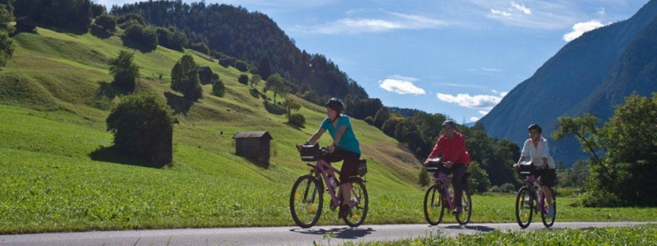 Vue depuis la piste cyclable de Kronburg, © TVB TirolWest/ Daniel Zangerl