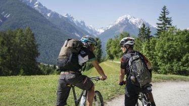En vélo à Mutters, © Tirol Werbung/Peter Neusser