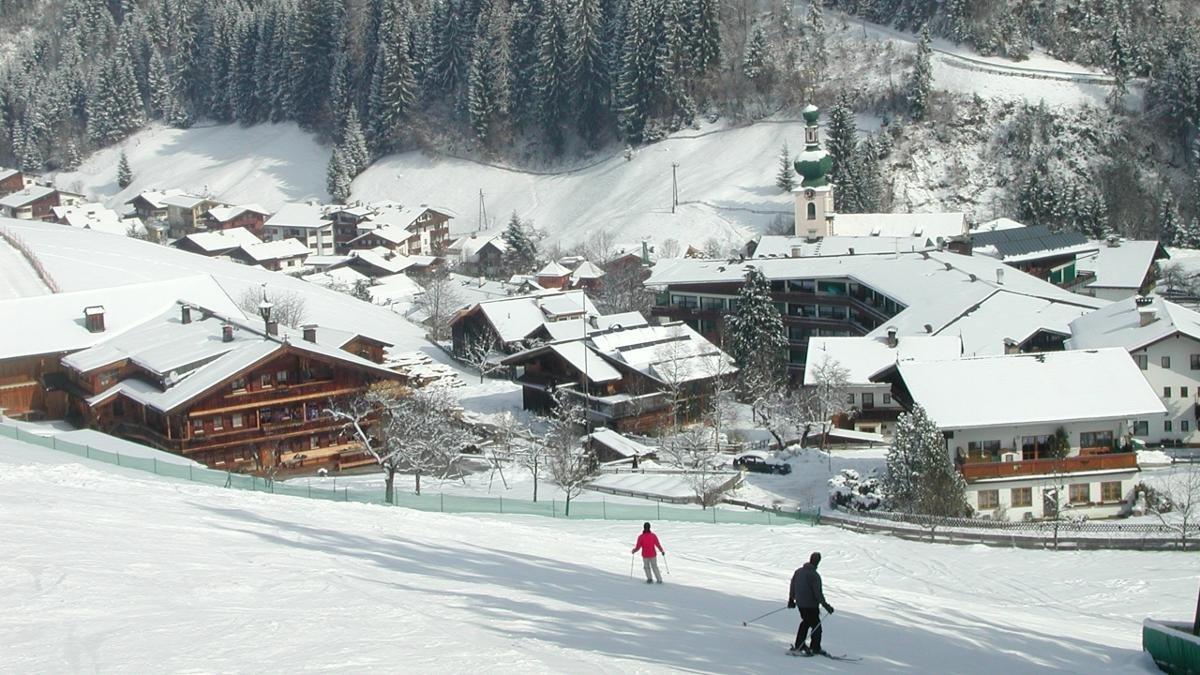 Le « Skijuwel Alpbachtal Wildschönau » est, comme son nom l'indique, un véritable joyau du ski. Avec 109 kilomètres de pistes, trois funparks pour que les débutants découvrent de nouveaux sports tendance, il fait partie des dix plus grands domaines skiables du Tyrol. Le tout autour du Schatzberg, LA montagne des habitants d'Auffach., © Wildschönau Tourismus