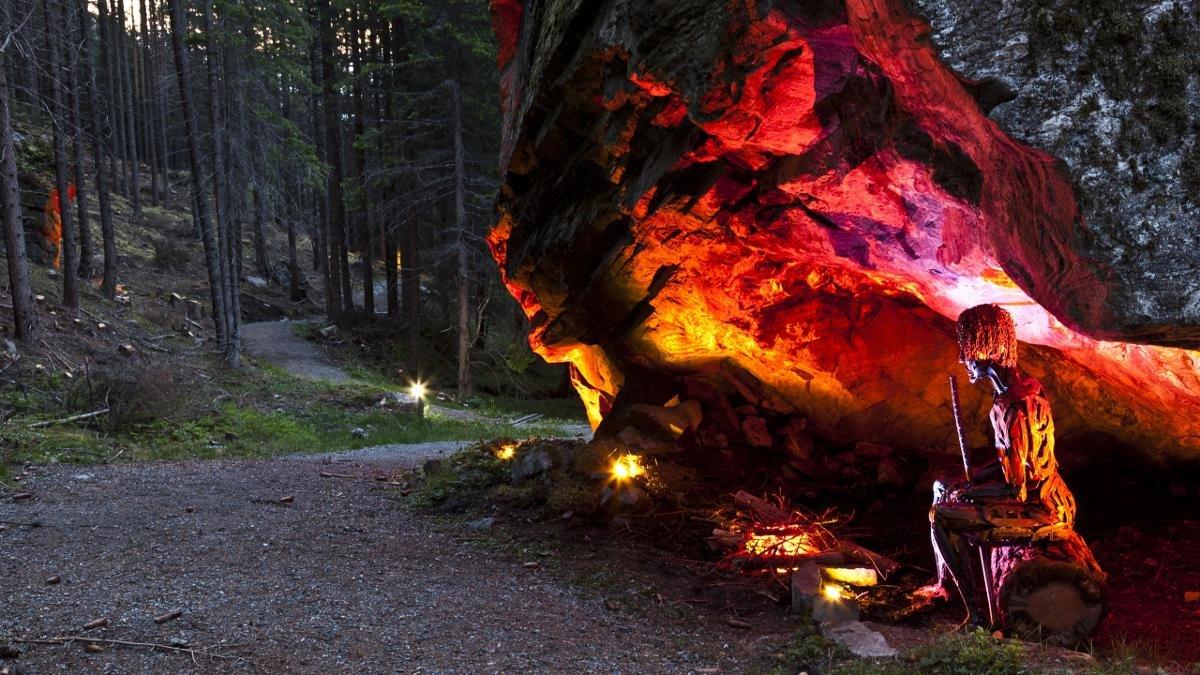 Le chemin des légendes de l'Ötztal est prisé autant des amateurs de randonnée que de luge. Les efforts consentis y sont récompensés à l'auberge de montagne de Feuersteinhütte de Huben. Sa chapelle est connue des habitants du coin pour la possibilité de mariages particulièrement beaux qu'elle offre., © Ötztal Tourismus