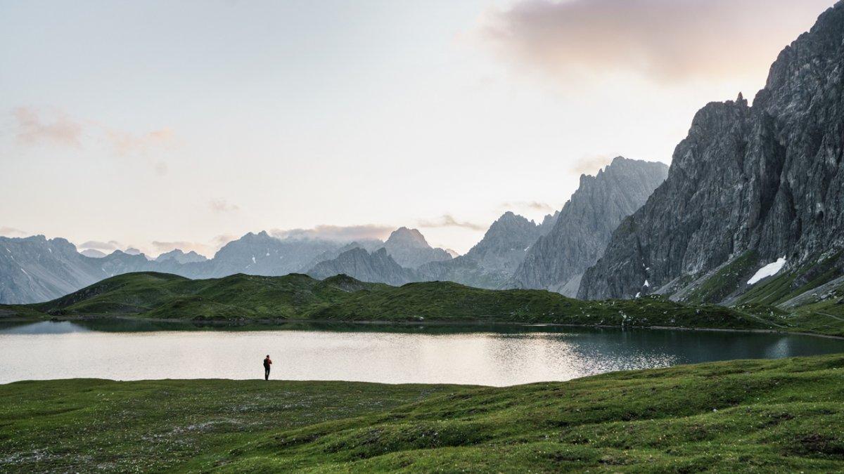Tranquillité apaisante autour du lac de Steinsee