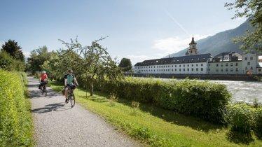 Rattenberg, piste cyclable de l'Inntal (Inntalradweg), © Tirol Werbung / Frank Bauer