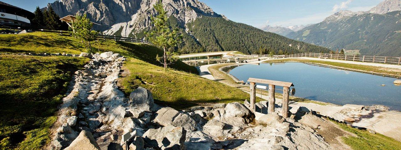 Le parc Serlespark : jeux d'eau en altitude, © TVB Stubai