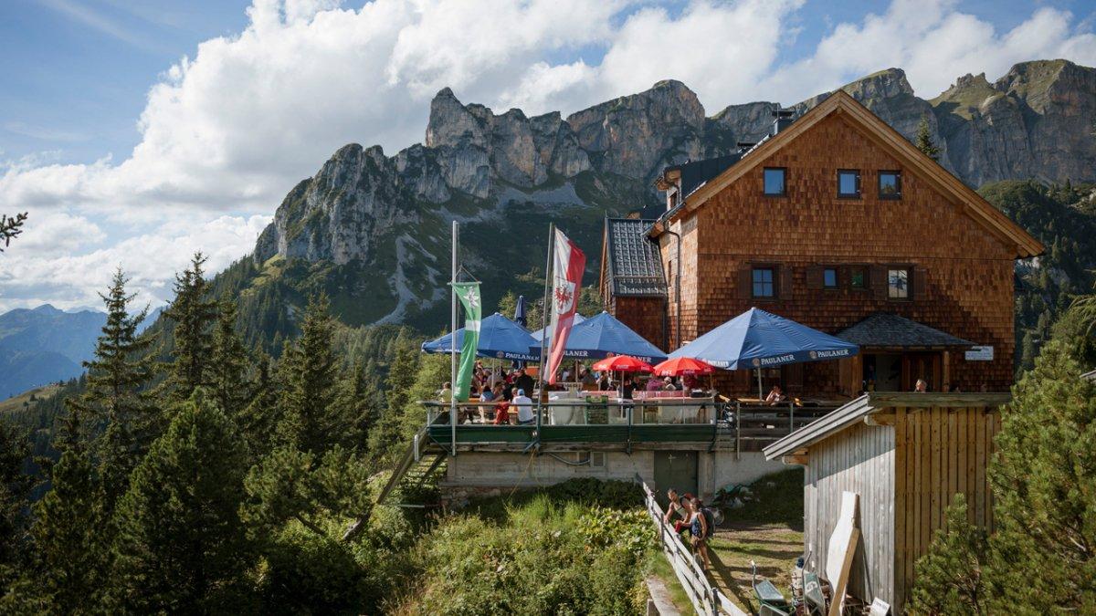 La Voie de l'Aigle : but d'étape, l'auberge d'altitude Erfurter Hütte, © Tirol Werbung