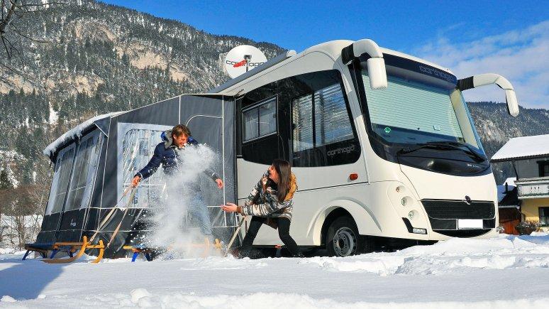 Les campeurs s'amusent beaucoup dans la neige, © Camping Seeblick Toni