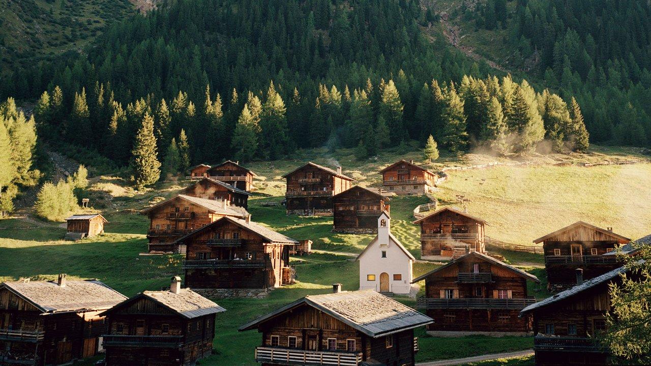 Le village d'alpage d'Oberstaller Alm à Osttirol, © Tirol Werbung