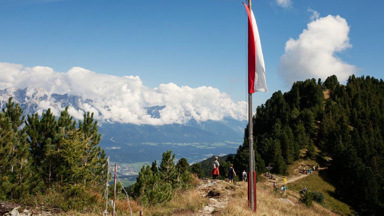 Le chemin Zirbenweg au dessus d'Innsbruck, © Tirol Werbung/Verena Kathrein