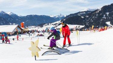 Cours de ski pour les enfants au Royaume des enfants Berta de Fiss, © Tirol Werbung/Robert Pupeter