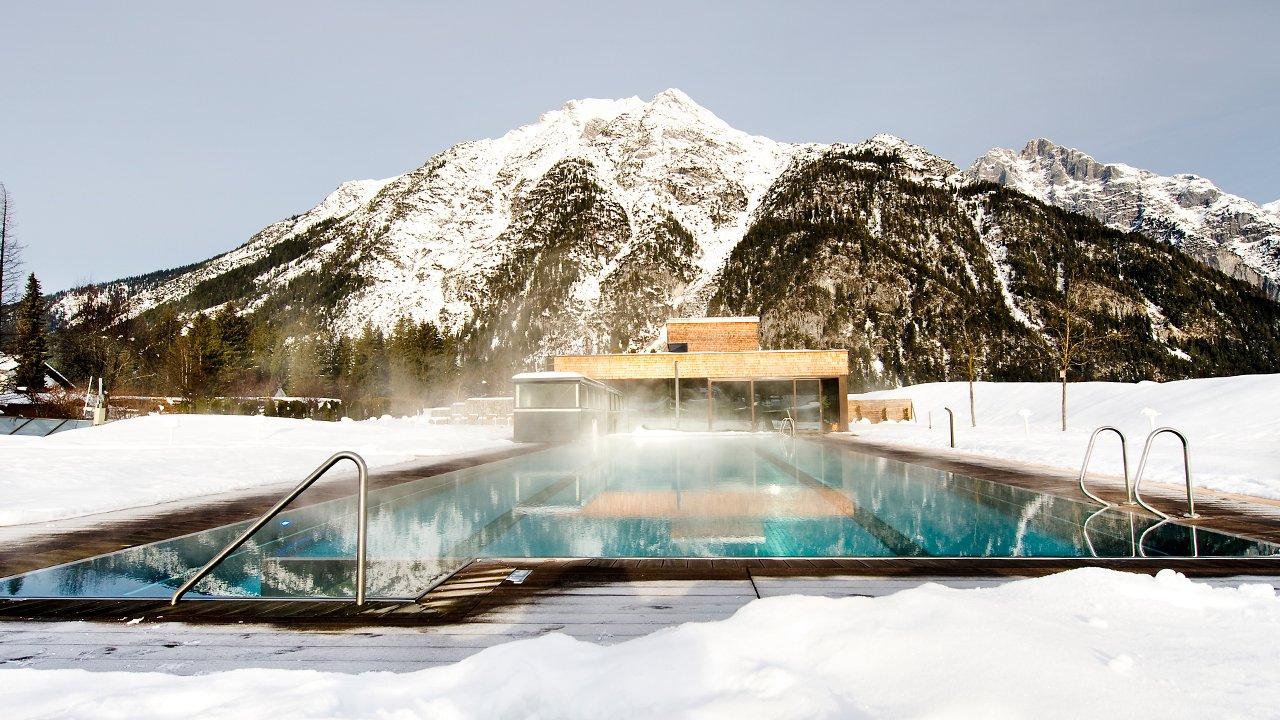Piscine chauffée de l'hôtel Quellenhof, © Hotel Quellenhof