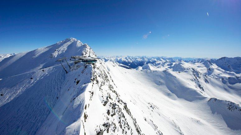 Faire du ski à Sölden, © Ötztal Tourismus